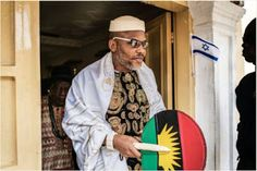 Nnamdi Kanu Storms Port-Harcourt Gets 'Presidential' Welcome (Video) http://ift.tt/2t1UoJJ