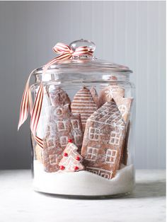 This snowy gingerbread city makes a stunning holiday centerpiece. We& sharing one of our favorite gingerbread house ideas including a free printable template. It& an easy Christmas decoration the kids can help make. Gingerbread Village, Christmas Gingerbread, Noel Christmas, Merry Little Christmas, Christmas Goodies, Christmas Treats, Simple Christmas, Winter Christmas, Gingerbread Cookies