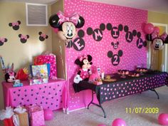 Minnie Mouse Birthday Party decorations using plastic tablecloths as backdrops and a Mickey shape punch to decorate the bottom of the tablecloth for-my-granddaughters-and-their-mommy Minnie Mouse 1st Birthday, Minnie Mouse Party, 1st Birthday Girls, 3rd Birthday Parties, Birthday Fun, Birthday Ideas, Minnie Mouse Birthday Decorations, Birthday Backdrop, Fete Emma