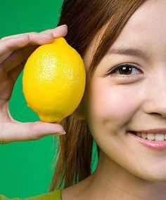 Get Rid of Blackheads If you rub lemon juice on the area with your blackheads, it should make them disappear. Do this every night and rinse with cool water in the morning until blackheads are gone.