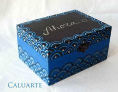 Caja de madera pintad a mano. / Caluarte - Artesanio