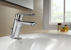 http://www.edenhogar.com/es/monomandos-lavabo/roca-logica-grifo-lavabo-5a3027c00-5a3127c00.html    Roca Logica Grifo de lavabo con aireador y desagüe automático