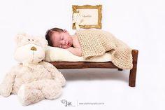 O #boanoite #desta #segundafeira #preguiçinha #babyboy #newbornphotographer #newborns #newbornbaby #newbornbrasil #newbornrecife #teddybear #ted #teddy #itsaboy #maedemenino #gestanterecife #semanadacriança #kidsday #kids #kidsweek #portrait #portraits #portraitphotography #fineart #recife #artesanato #inbed #littlebed
