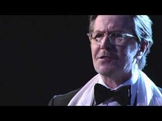 Gary Oldman Reads from R. Kelly's Autobiography Soulacoaster -- thus proving my belief that Gary Oldman could read the phone book, and it would be wonderful. Funny Prank Videos, Good Pranks, Funny Pranks, Hilarious, It's Funny, Funny Shit, Funny Stuff, Jimmy Kimmel Live, Gary Oldman