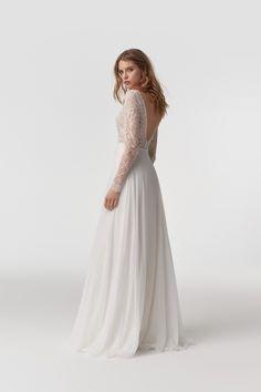 HONEY - Suknie Ślubne Anna Kara Unique Dresses, Stunning Dresses, Dream Dress, I Dress, Anna Kara, Morgan Davies Bridal, Prom Dresses, Formal Dresses, Chiffon Skirt