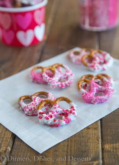 Chocolate Covered Pretzels - super easy for Valentine's Day!