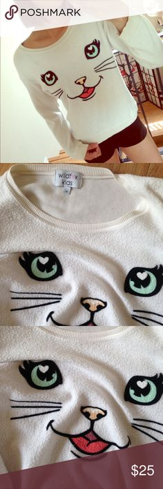 Wildfox cat beach jumper kids 14 like xs Fits like xs or petite, see the first pic☺️ looks gently used, no flaw Wildfox Sweaters Crew & Scoop Necks