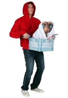 It would be awesome to keep E.T. around to be your best friend and just chill and eat Reese's Pieces all day, but you should really get that little alien home. This adult E.T. Elliott Costume kit will transform you into the lucky kiddo who gets to return E.T. to his spaceship. The costume is based on the iconic scene where Elliott and E.T. fly over the forest to avoid getting caught by the Feds. While there's no bike in sight here, you'll totally love partying with E.T. all night waiting for tha Eighties Costume, Best 80s Costumes, 80s Halloween Costumes, Movie Character Costumes, Movie Halloween Costumes, Halloween Outfits, Halloween 2018, Halloween Ideas, Halloween Party