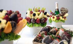 ...a nielen zdravé, ale aj krásne a chutné! Ovocné kytice, ktoré sú také jedinečné, ako je vaša láska. Fantastický darček, v ktorom sa pohrávajú kombinácie chutí ovocia, čokolády a orieškov. Mňam! / Bratislava