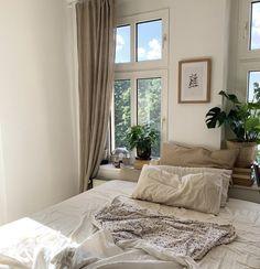 Bedroom Decor For Couples, Diy Bedroom Decor, Bedroom Ideas, Home Decor Styles, Cheap Home Decor, Aesthetic Bedroom, Dream Rooms, Home Bedroom, Bedrooms