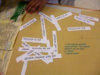 een bestaand gedicht word verknipt en de kinderen puzzelen hun eigen versie