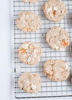 Yum! Mango White Chocolate Macadamia Nut Cookies. #gluten free
