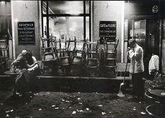 Café de Flore, Saint-Germain-des-Prés, Paris - 1958 by Dennis Stock Magnum Photos, Robert Doisneau, Old Paris, Vintage Paris, Paris Pics, Vintage Cafe, Vintage Glam, French Vintage, Saint Germain