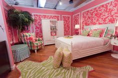 "Lily Pulitzer Home Decorations - Lilly Pulitzer has at all times been about a colorful, happy, resort frame of mind. ""She has always been about a colorful, happy, resort state of mi. by Joey Dream Rooms, Dream Bedroom, Girls Bedroom, Bedroom Decor, Bedroom Ideas, Bedrooms, My New Room, My Room, Girl Room"