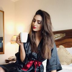 Can think of a caption only post my coffee ... so let me drink it and then think it ! Cheers☕️