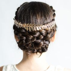 Fashion and Lifestyle Beauty Makeup, Hair Makeup, Hair Beauty, Wedding Updo, Wedding Bride, First Communion, Girl Hairstyles, My Hair, Hair Accessories