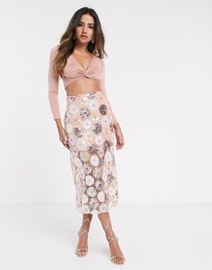 Browse online for the newest ASOS DESIGN floral sequin midi skirt styles. Shop easier with ASOS' multiple payments and return options (Ts&Cs apply). High Street Fashion, Street Style, Asos, Design Floral, Design Design, Rock, Midi Skirt, Dress Up, Two Piece Skirt Set