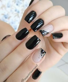 16 Ideas French Manicure Acrylic Nails Fun For 2019 Stylish Nails, Trendy Nails, Chic Nails, Elegant Nails, Black Nail Designs, Nail Art Designs, Nails Design, Pedicure Designs, New Year's Nails