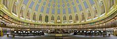 La salle de lecture du British Museum. En 1997 elle fut déplacée dans la British Library, à Euston Road, à côté de la gare de Saint-Pancras, qui est désormais l'une des plus importantes bibliothèques de référence du monde, avec plus de 150 millions de références, dont environ 14 millions de livres.