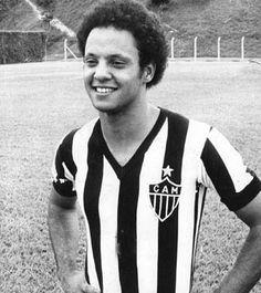 José Reinaldo de Lima, o Reinaldo, é o grande artilheiro do Atlético-MG, com 255 gols na carreira. O atacante estreou pelo time profissional do Galo, no dia 28 de janeiro de 1973, aos 16 anos. Ele conquistou o primeiro título – o Campeonato Mineiro - em 1976. Foi ainda hexacampeão mineiro entre 1978 e 1983. o jogador tem até hoje a maior média de gols em um único Campeonato
