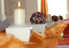 Sviečka na svadbu dodekorovaná kokosovým vláknom.