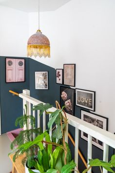 A gallery wall in the stairwell; this is how you do it Styled by Sabine - A gallery wall in the stairwell; this is how you do it Styled by Sabine - House Inspiration, House Styles, Sweet Home, Interior Inspiration, House Stairs, Hallway Designs, Home Decor, House Interior, Home Deco