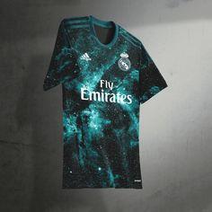 Sport Shirt Design, Sports Jersey Design, Sports Graphic Design, Sport T Shirt, Nike Football Kits, Soccer Kits, Football Shirts, Equipacion Real Madrid, T Shirt Painting