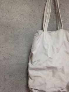 白の革バッグ #シワシワ