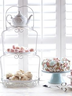 High tea | Macarons | Lopve this pic with the light