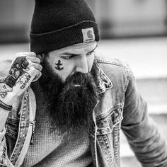 666 mentions J'aime, 5 commentaires - @beardsandtattoosofficial sur Instagram : « @john_wolf29 #beard #beards #ink #tattoo »