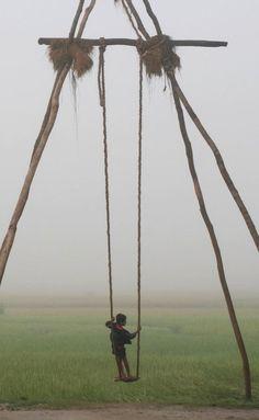 Balançoires traditionnelles Népalaises en bambou et cordes de noix de coco