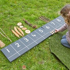 Outdoor Chalkboard N Outdoor Education, Outdoor Learning Spaces, Home Learning, Learning Shapes, Classical Education, Maths Eyfs, Eyfs Classroom, Outdoor Classroom, Numeracy