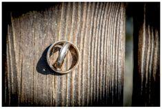 Eheringe auf Holz fotografiert Wedding Details, Rings For Men, Wedding Rings, Engagement Rings, Jewelry, Wedding Photography, Timber Wood, Enagement Rings, Men Rings