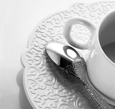 designboom brings you the video installation created by marcel wanders for the release of his 'dressed' tableware collection for alessi, Marcel, Jasper Conran, Alessi, Shades Of White, Everyday Items, Coffee Cafe, Textures Patterns, Furniture Decor, Art Decor