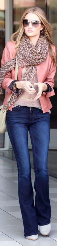 Rosie Huntington Whiteley Perfect autumn winter outfit #moda #fashion #celebrities