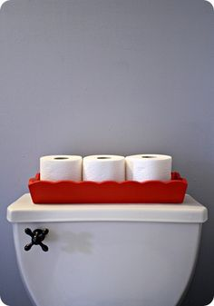 Thrifty Decor Chick: Red, white and blue? (Chip It powder room). I'm thinking Thrift store bin painted to go with my watermelon bathroom!