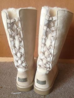 Womens Size 8 UGG Boots