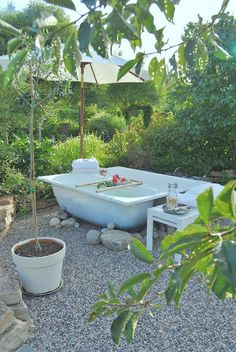 Utespa - badkar i trädgården