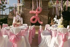 love the lace parasols with ribbon streamers