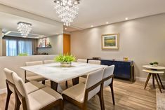 Apartamento ES por Luciana Ribeiro Arquitetura | homify Conference Room, Dining Table, Lighting, Furniture, Led, Home Decor, Arquitetura, Good Ideas, Log Projects