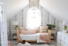 home decor instadecor inspiration sittingroom cottage shabbychic love homely oldstyle design interior ideas decoration interiordesign space frenchstyle mirror flowers candles walldecor pictures village Girls Bedroom, Bedroom Decor, Wall Decor, Bedrooms, Zipper Bedding, Dear Lillie, Rug World, Types Of Sofas, Old Room