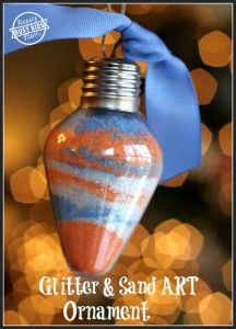 Do you love those colored layer of sand art? Create these beautiful, sparkly glitter ornaments with sand art. A Christmas Ornament win! Diy Photo Ornaments, Glitter Ornaments, Handmade Ornaments, Glitter Crafts, Christmas Activities, Kids Christmas, Christmas Ornaments, Homemade Christmas, Do It Yourself