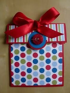 a cute gift box gift card holder.