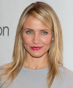 Cameron Diaz Long Straight Casual Hairstyle - Strawberry Blonde Hair Color with Light Blonde Highlights - Hair Tutorials Casual Hairstyles, Celebrity Hairstyles, Straight Hairstyles, Hair Tutorials For Medium Hair, Medium Hair Styles, Long Hair Styles, Blond Hairs, Light Blonde Highlights, Natural Straight Hair