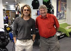 Brad Pitt Photo - Brad Pitt Stops By A Honda Motorcycle Shop