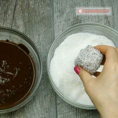 Prăjitură tăvălită cu cocos- o prăjitură ce va fi apreciată de toți membrii familiei dvs! - savuros.info Homemade Sweets, Cake Baking, No Bake Cake, Baking Recipes, Cakes, Cooking, Desserts, Food, Sweets