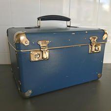 Vanha sininen laatikko