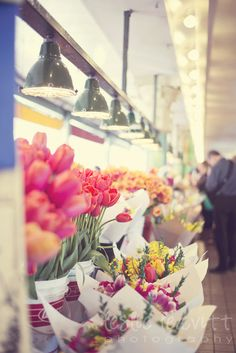 Pikes place market Seattle  http://leslieleavittphotography.net/