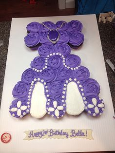 Sofia the First dress cupcake cake Sofia The First Birthday Party, Sofia Party, Pull Apart Cupcake Cake, Cupcake Cakes, Cup Cakes, Sophia The First Cupcakes, Birthday Candles, Birthday Cake, Birthday Ideas