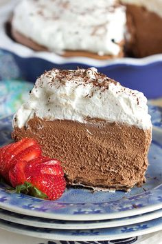 Rich, creamy and NO BAKE! This Chocolate Mousse Pie recipe is the perfect dessert for any occasion. | @suburbansoapbox Just Desserts, Winter Desserts, No Bake Desserts, Delicious Desserts, Dessert Recipes, Tart Recipes, Frosting Recipes, Mousse Pie Recipe, Recipe For Chocolate Mousse Pie